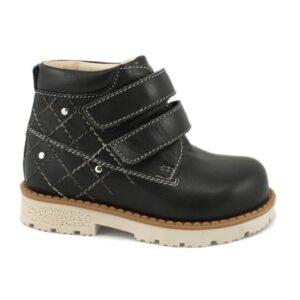 черные детские ботинки
