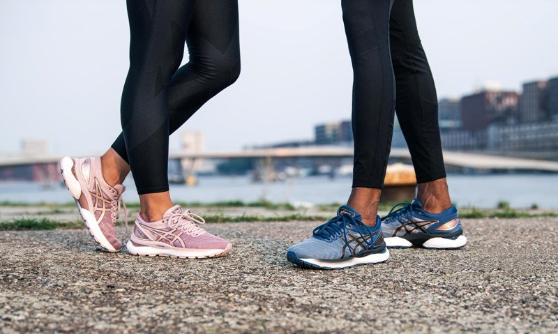мужские и женские кроссовки